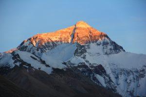 fond montagne enneigée